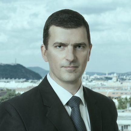 dr. Vilczek Balazs